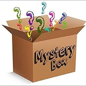 NWT Large Women's Clothing & Jewelry Mystery Box